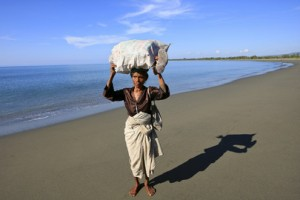 Woman in Timor Leste(Martine Perret / UN Photos)